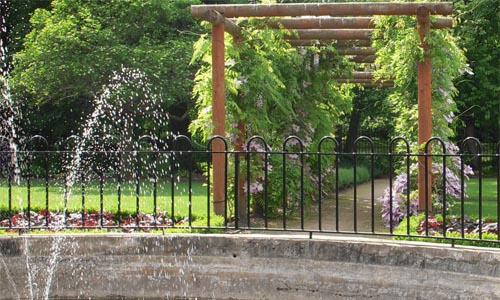 Garden and fountain at Greenbank